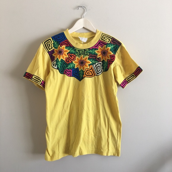 36a076ba0fd44 Vintage | Sunflower Embroidered Tee